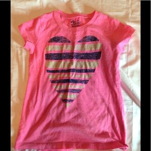 Girls size 6/7 OLD NAVY heart shirt w/ sparkle